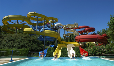 Aqualand del vasto parco acquatico vasto - Piscine con scivoli ...